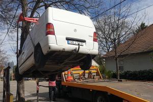 Autó elszállítása
